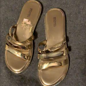 Sandals news
